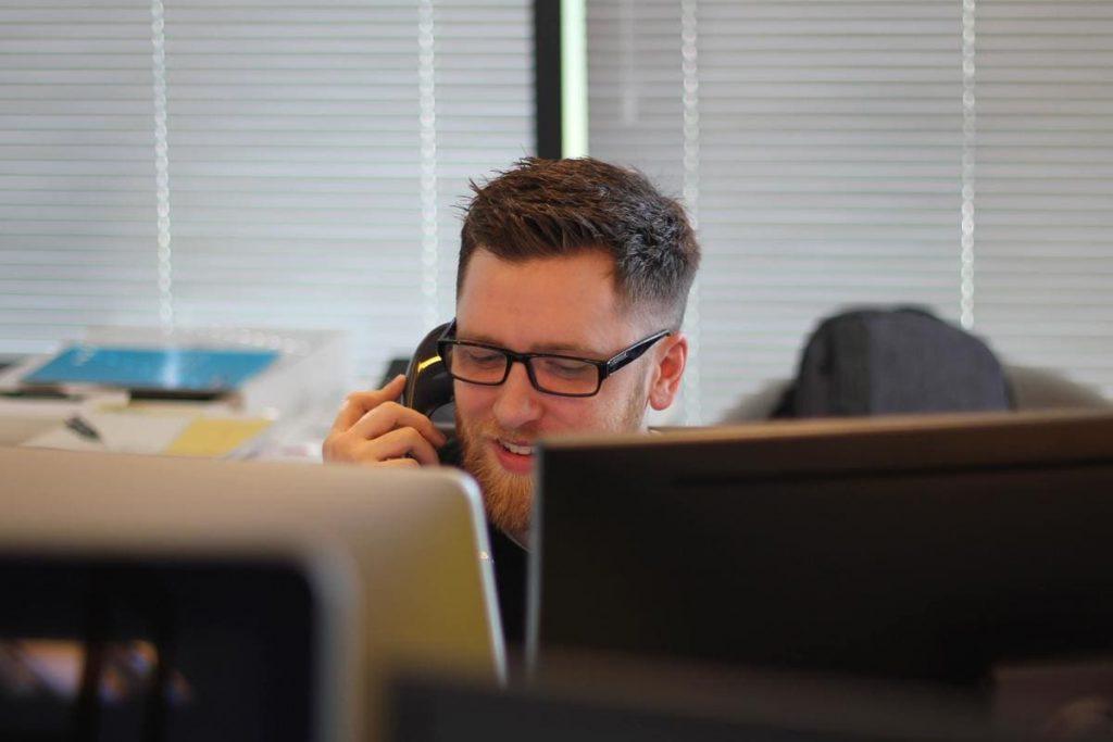 Ainda não usa click to call? Descubra como funciona essa ferramenta e entenda porque você precisa usá-la nos seus anúncios.